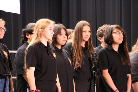 Jr/High School Choir Sings at Veteran's Assembly