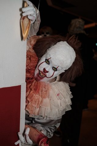 """Pennywise - IT"" by timz2011 is licensed under CC BY-NC-SA 2.0"