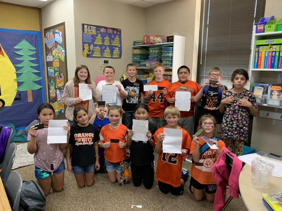 Third+Grade+Receives+Letters