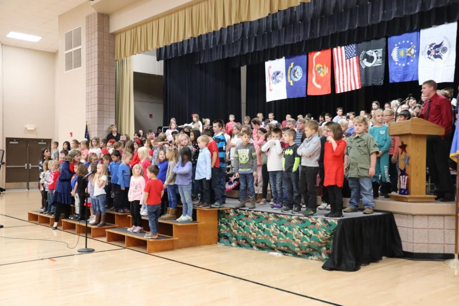 Students+Attend+Annual+Veterans%E2%80%99+Day+Assembly