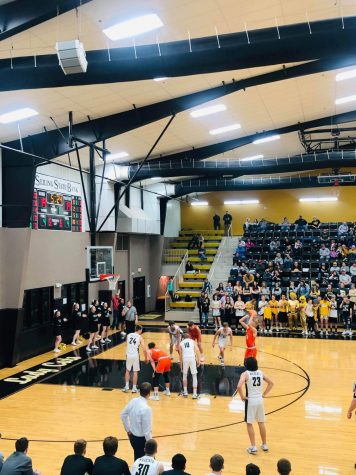 Tigers Fall to Lady Jackets Late in Game