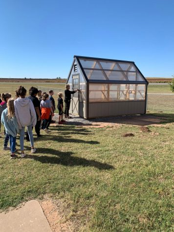 Fifth Graders Excited About Greenhouse